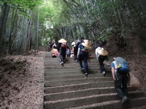 愛媛大学生と歩く遍路道(今治市)